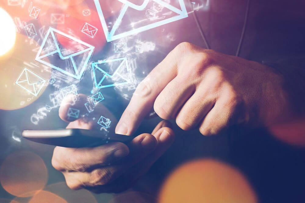 【キャバクラ面接】電話やメール、LINEで約束を取り付ける方法|気をつける時間帯や各種マナー