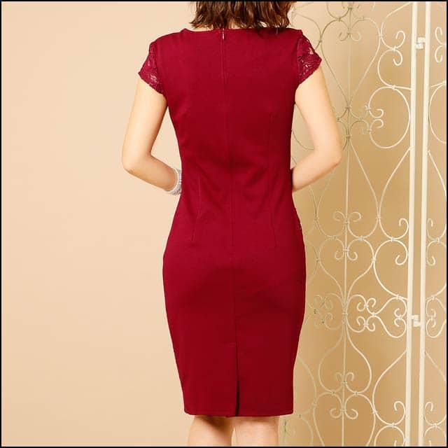 【スナックの服装】30代女性が最も輝くドレスファッションとは?