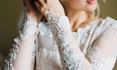 二の腕カバー系のキャバドレスは袖ありで決まり!超激安通販でも売れ筋です。