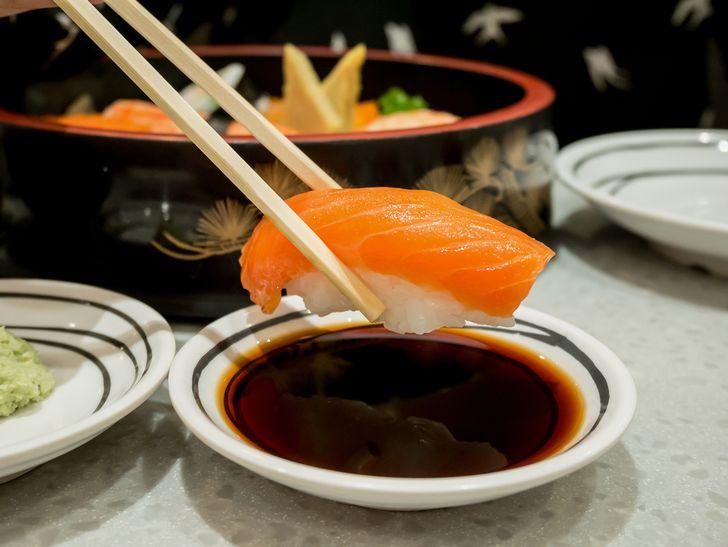 【キャバクラ同伴】お寿司屋さんで恥をかかないためのマナーとは?