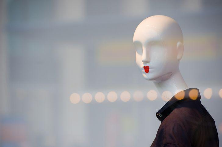 【メルカリ】キャバドレスは売れる?相場は2,425円?